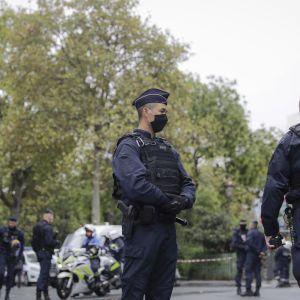 Во Франции уроженец Туниса напал на полицейскую и перерезал ей горло