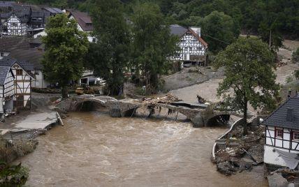 Уровень воды на дорогах Германии достигал 12 метров: в поисках живых находят все больше жертв