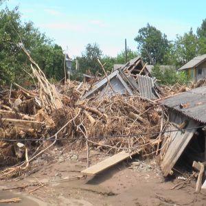 Повінь на Прикарпатті: мешканці найбільш постраждалих районів скаржаться на недостатні компенсації