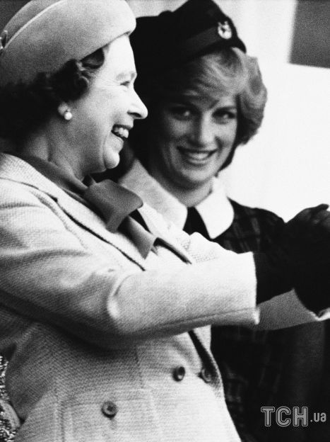 Королева Елизавета II, принцесса Диана и принц Чарльз / © Associated Press
