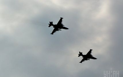 Под Запорожьем разбился военный самолет: пилот погиб