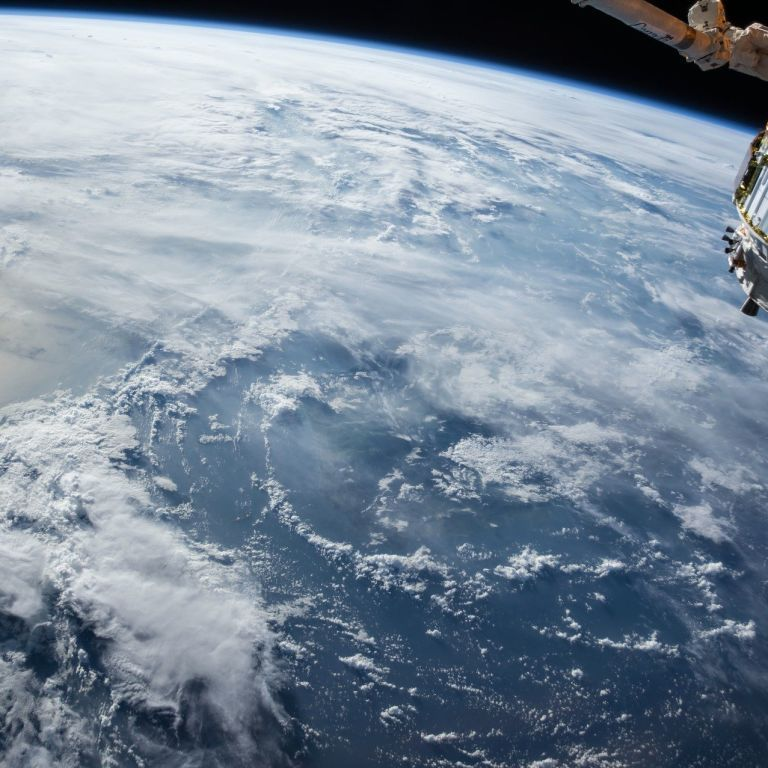 Стало відомо, де може впасти гігантська 22-тонна ракета, яка прямує до Землі