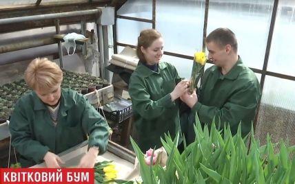 ТСН побачила, звідки у Києві беруться квіти для 8-го березня