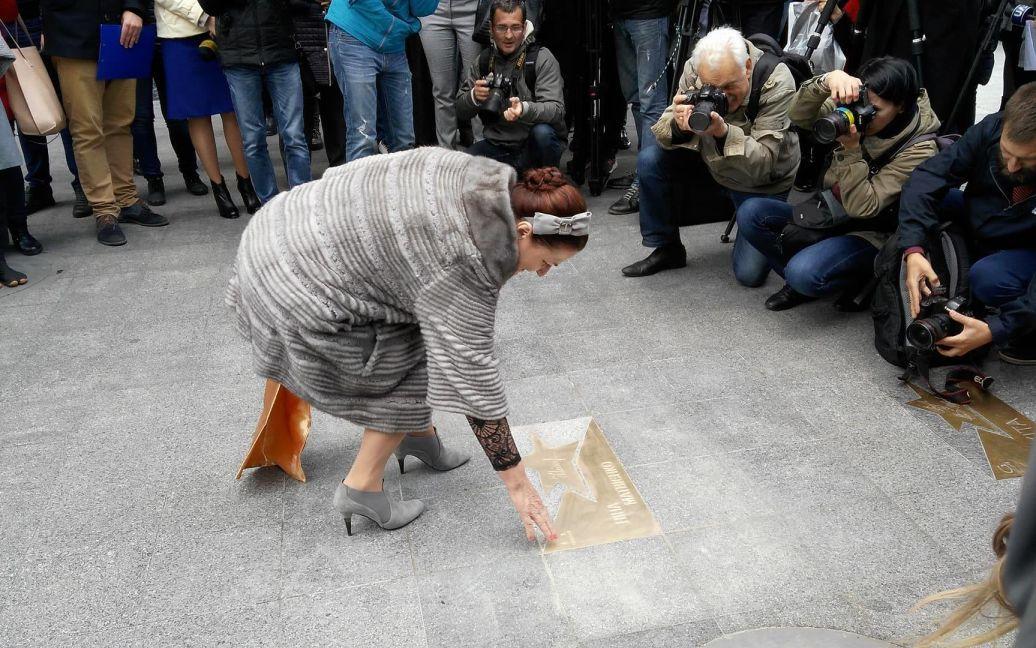 У Києві відкрили іменну зірку на честь Ніни Матвієнко / © Фото Дмитра Святненка/ТСН