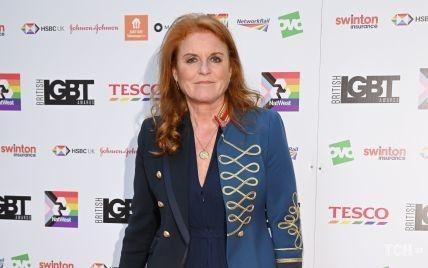 Надела жакет в стиле милитари: Сара Йоркская посетила церемонию British LGBT Awards