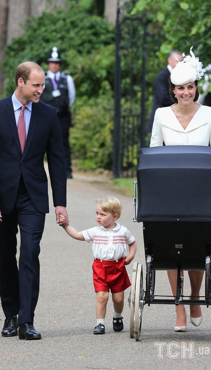Кейт Миддлтон и принц Уильям с детьми / © Associated Press
