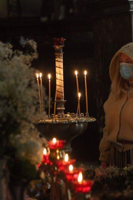 Пасха и майские праздники в условиях пандемии: стоит ли украинцам ожидать локдаун