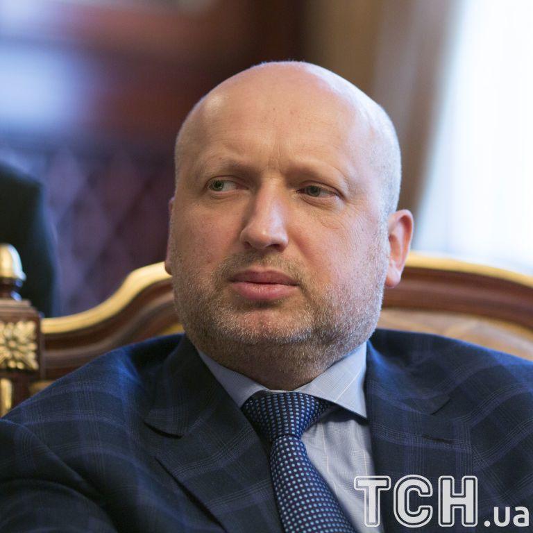 Турчинов показал роскошный кабинет и поделился планами на ближайшие пять лет