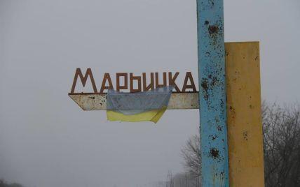 """Боевики накрыли огнем КПВВ """"Марьинка"""", пропуск через пост приостановлен"""