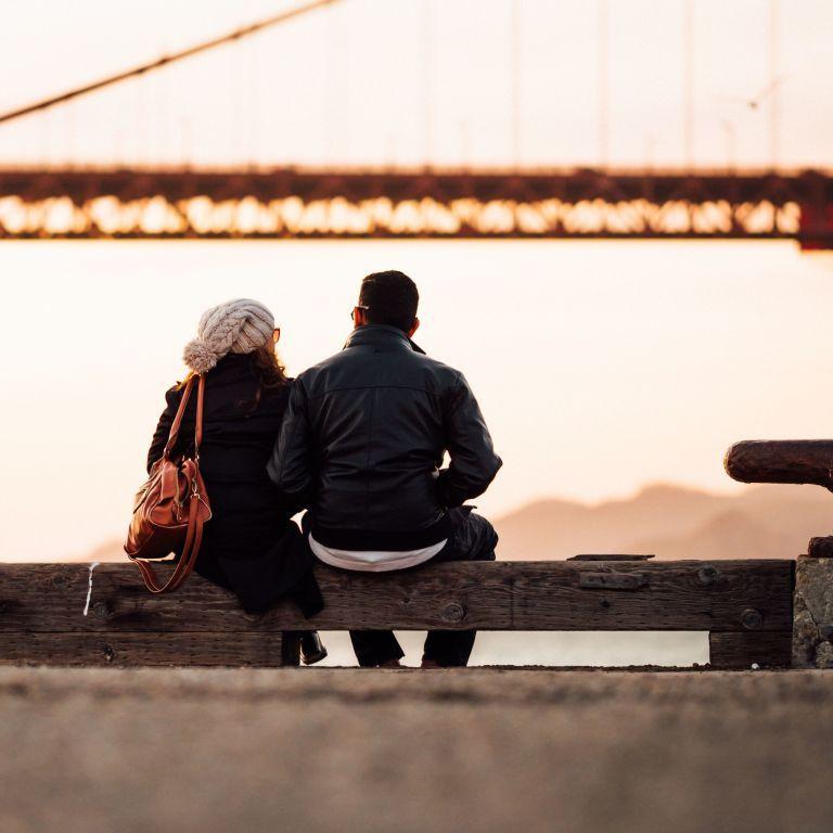 Шлюбні тренди: українці все менше воліють одружуватись та не поспішають розлучатись
