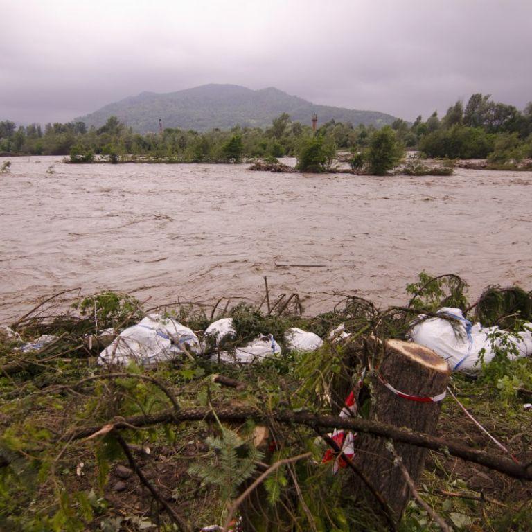 Річки можуть вийти з берегів: мешканців Львівської області попереджають про паводки і селеві потоки