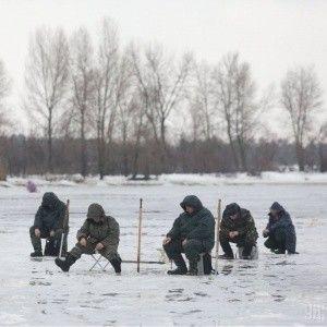 У Запоріжжі двоє дітей провалилися під лід: рибалки змогли рятувати дівчинку