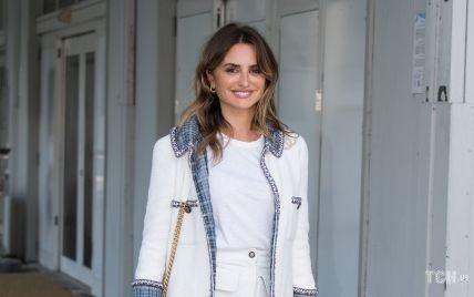 Вся в Chanel: Пенелопа Крус з'явилася у Венеції в білому аутфіті