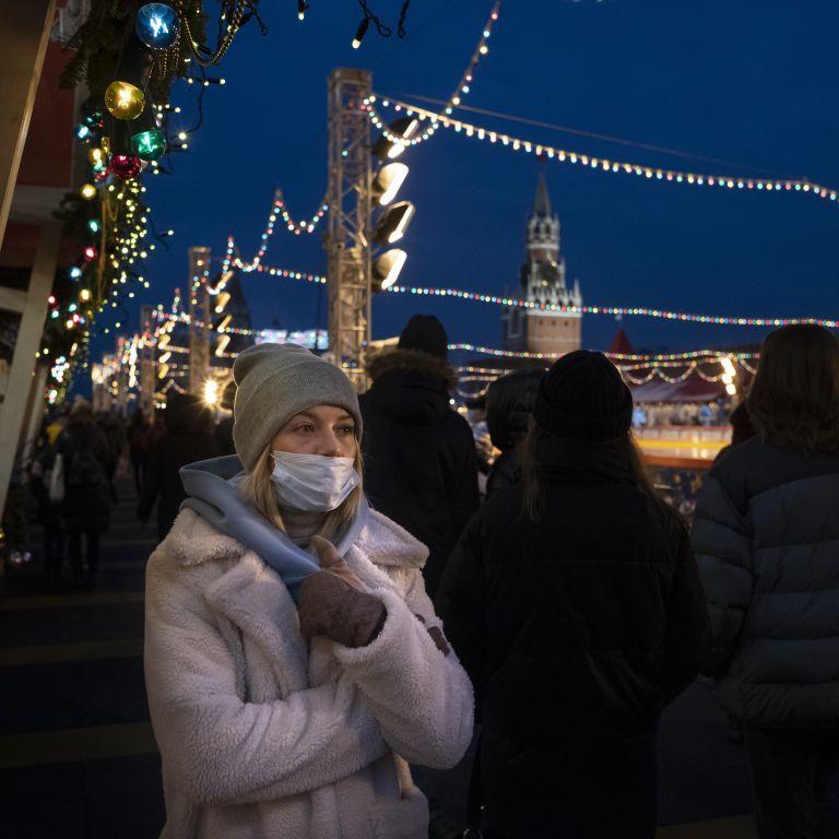 Російський губернатор хоче подарувати жінкам вихідний на 31 грудня
