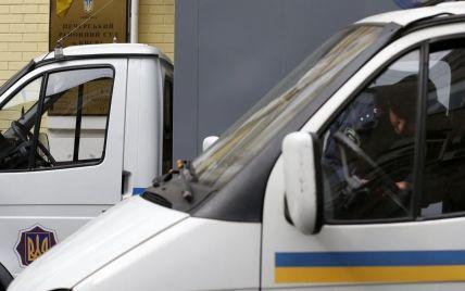В Святошинский райсуд Киева привезли беркутовцев на допрос Януковича - МВД