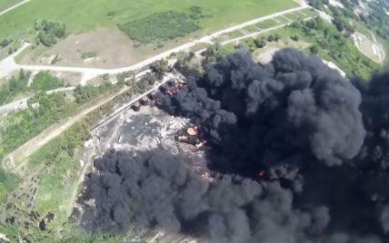 Появилось видео последствий пожара на нефтебазе под Васильковом, снятое беспилотником
