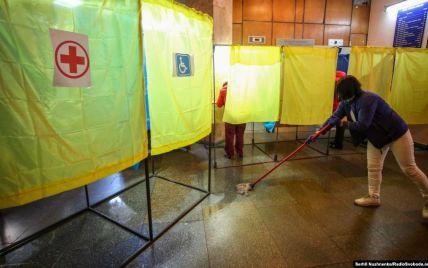 Подкуп избирателей, карусель и порчи бюллетеней: в Киевской области полиция сообщила о нарушениях на участках