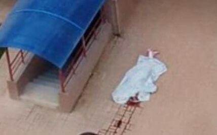 В Вишневом девушка разбилась насмерть, выпав из окна многоэтажки