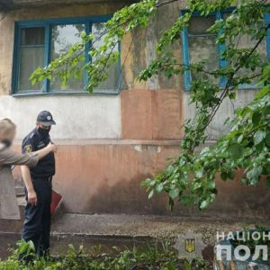 У Донецькій області однорічний хлопчик випав з вікна третього поверху