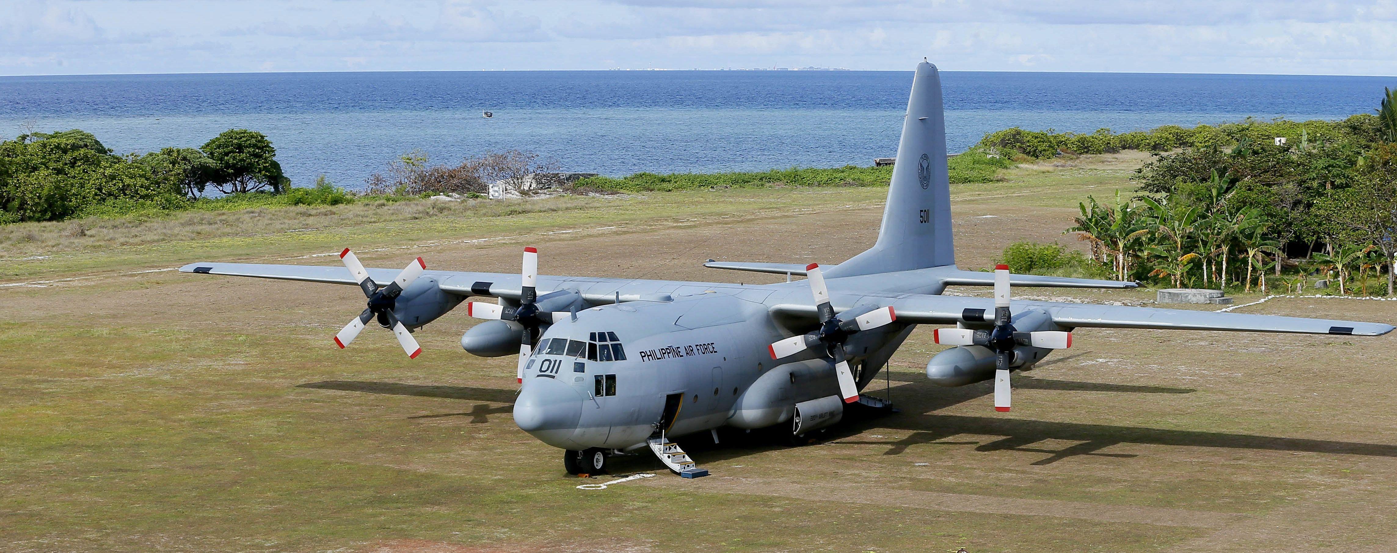 На Филиппинах назвали первое число жертв падения военного самолета