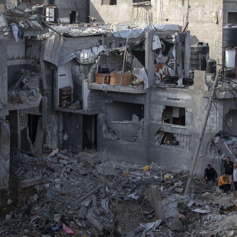 Израильские военные заблаговременно предупреждают об уничтожении объектов Газа: палестинцы прячутся в школах ООН