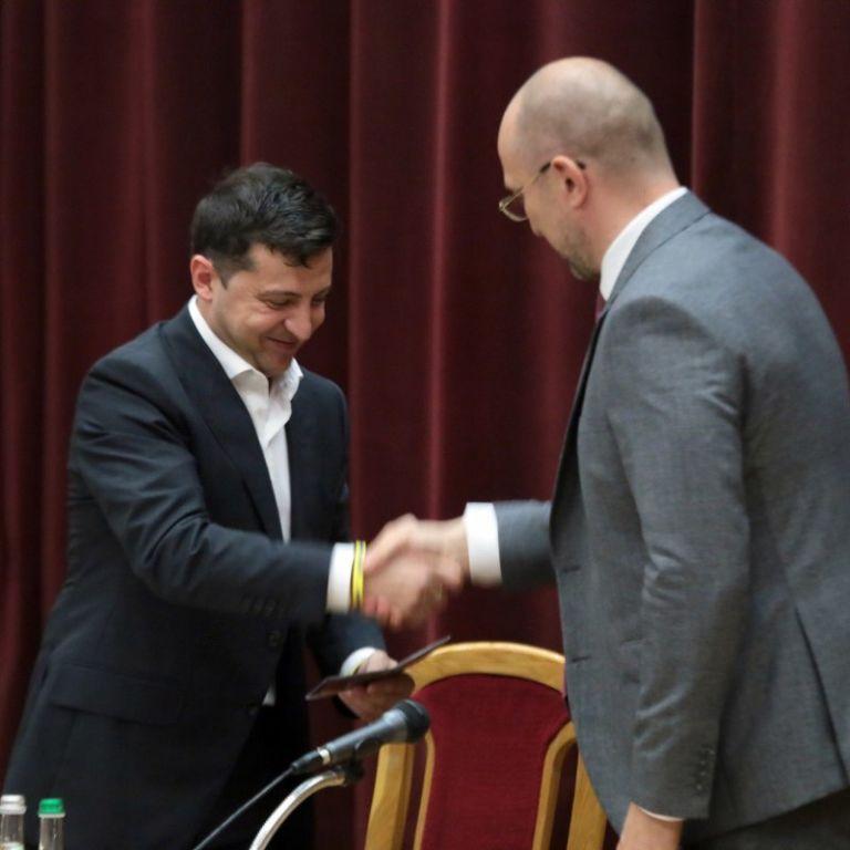 Був на боці прем'єра, а до Криклія запитань не мав: Зеленський прокоментував зміни в уряді