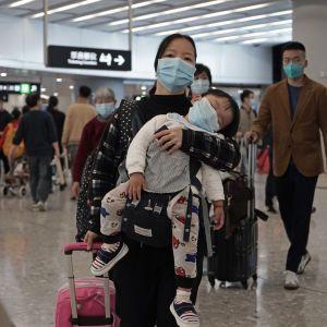 Мутация добралась до Китая: новый штамм коронавируса впервые обнаружили в стране