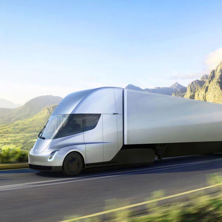 Дождались: Tesla готова запустить в массовое производство электрический грузовик с рекордным запасом хода