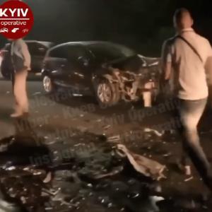 Біля Вишгорода сталася масштабна ДТП: зіткнулися чотири авто, є травмовані