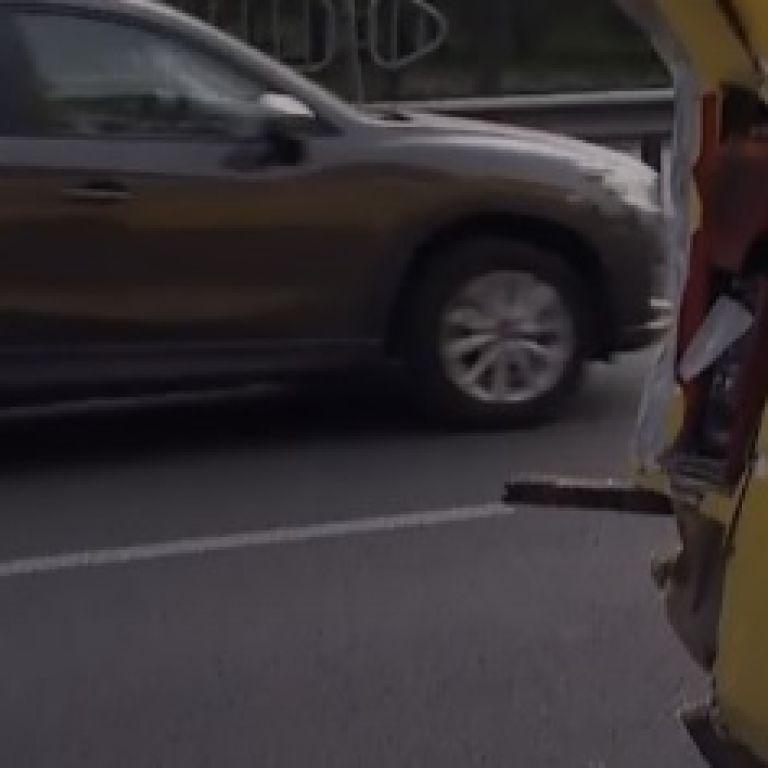 В Киеве столкнулись легковушка и две маршрутки, есть пострадавшие