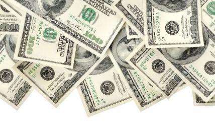Доллар держится на самом высоком уровне за последние полгода – курсы валют НБУ на 4 ноября
