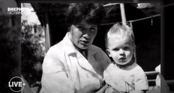 Андрій Данилко з мамою / © скриншот з відео