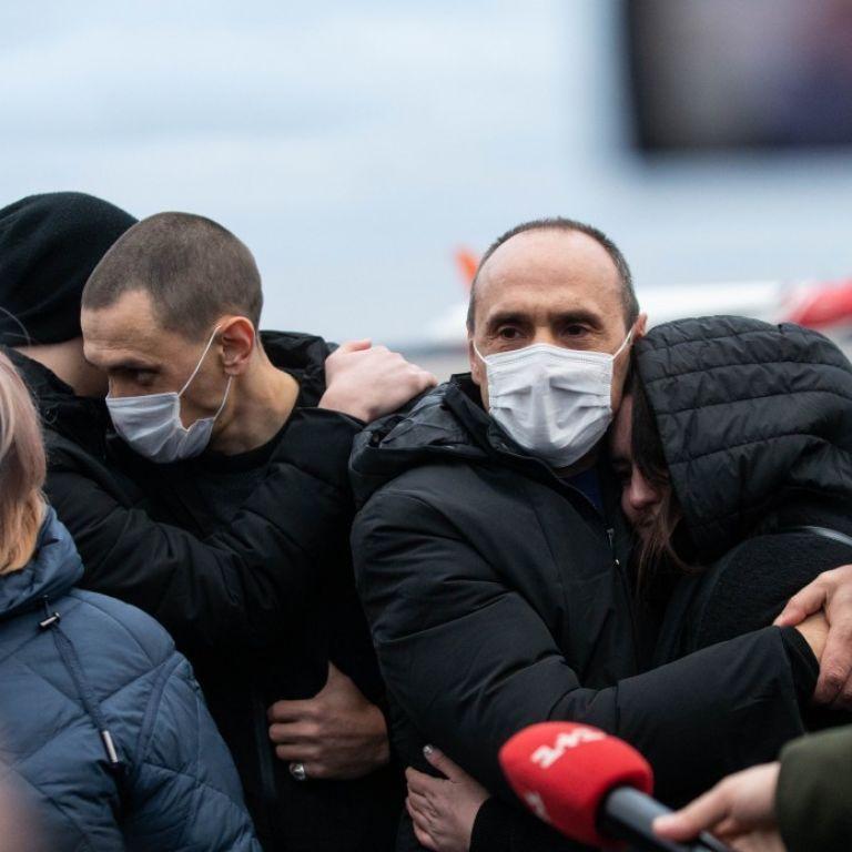 Четверо українців, яких утримували в Лівії, вже вдома