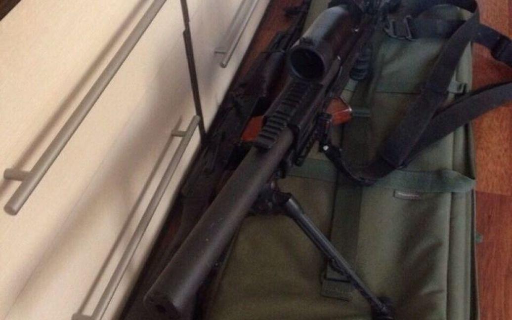 Виявлена у снайпера гвинтівка російського виробництва / © ТСН.ua