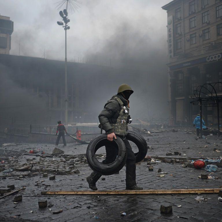 Річниця Вогнехрещі: бійка з силовиками та спроба підпалу шин у центрі Києва