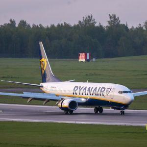 Запланована крадіжка: як Ryanair відреагувала на інцидент з авіалайнером в Мінську