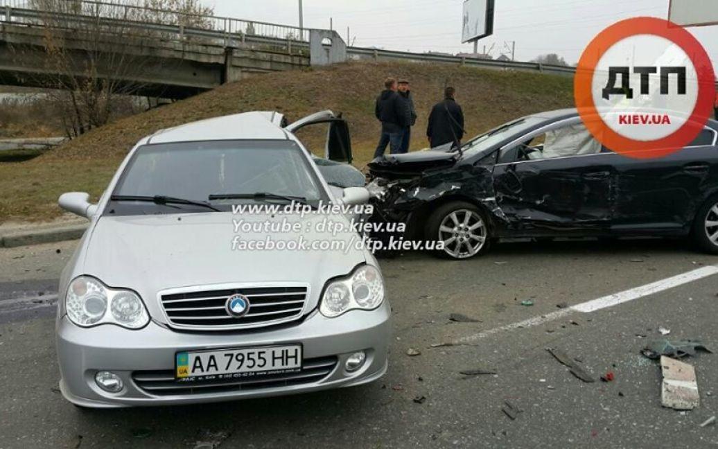 На одной из киевских улиц произошло второе жуткое ДТП за неделю / © facebook/dtp.kiev.ua