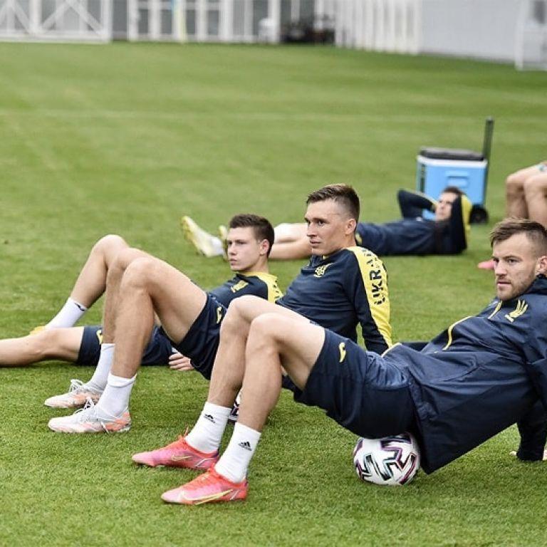 """Як збірна України готується до другого матчу Євро-2020: фото з тренування """"синьо-жовтих"""""""