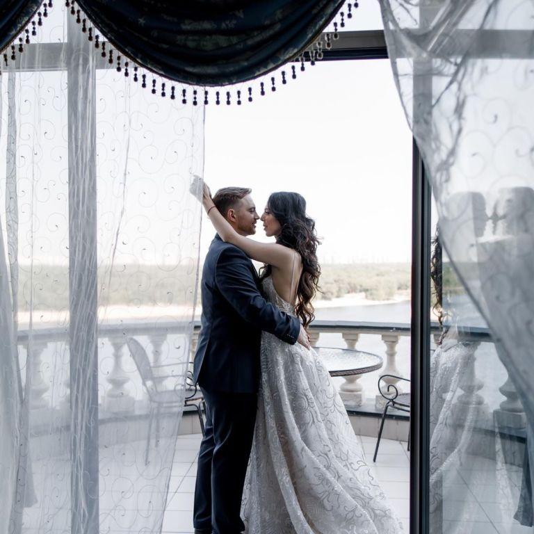 Племінниця Ротару показала нові фото з весілля з нагоди першої річниці шлюбу