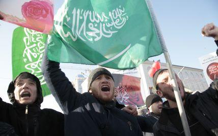 У Чечні з почестями поховали терориста, причетного до вбивства французького вчителя (відео)