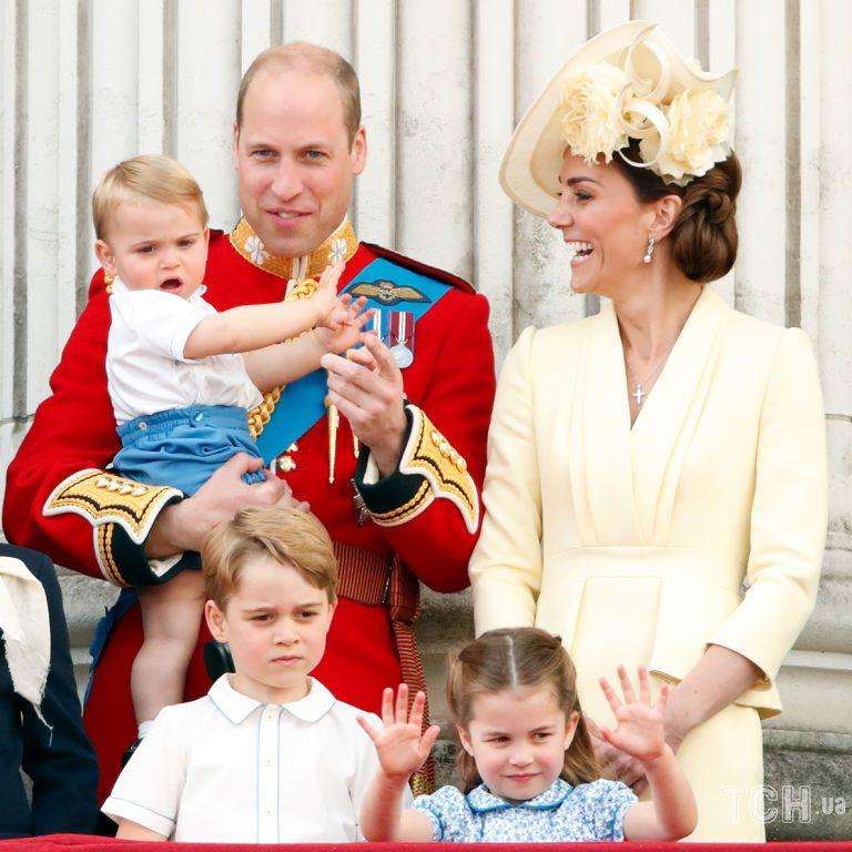 Дети Кейт и Уильяма сделали трогательные открытки для своей бабушки - принцессы Дианы