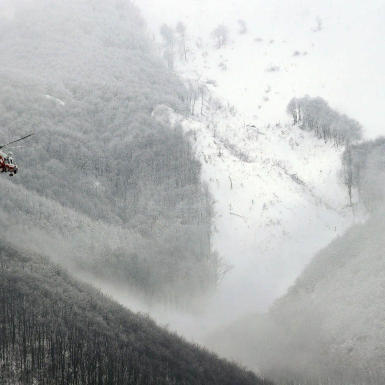 У Швейцарії лавина накрила щонайменше 10 лижників