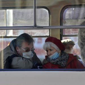 Локдаун в Україні в січні: як працюватиме громадський транспорт та які будуть обмеження