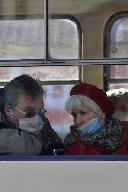 Коронавирус в Украине 13 ноября: очередной антирекорд больных и бунт городов вводить карантин на выходные