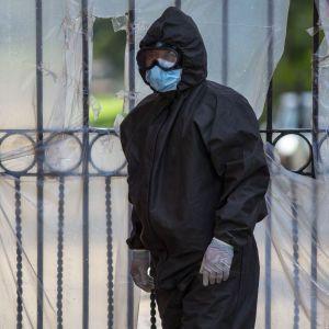 В Україні зафіксували рекорд захворюваності на коронавірус: за добу майже 1200 випадків