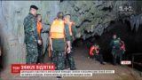 Тайские спасатели так и не смогли достичь пещеры, где исчезли подростки спортсмены
