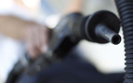Самые популярные АЗС изменили стоимость бензина и дизельного топлива