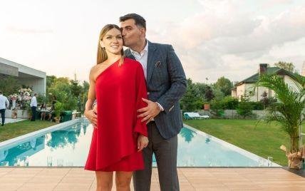 Звезда мирового тенниса, которая уменьшила себе грудь на четыре размера, выходит замуж за миллиардера