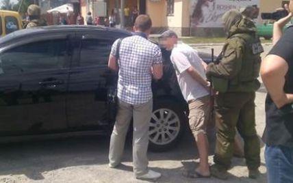 """На Житомирщине задержали """"липового"""" правоохранителя, который торговал оружием из зоны АТО"""