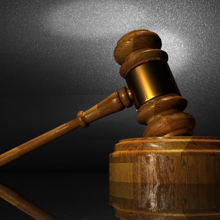 Хотів випити: у Львові засудили жінку, яка через горілку зарізала співмешканця
